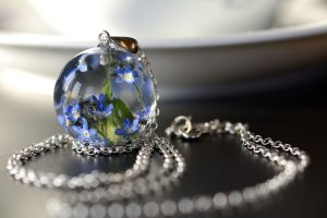 biżuteria z zywicy