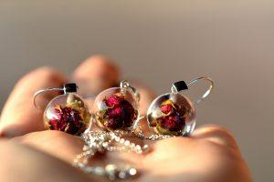 komplet biżuteria z żywicy