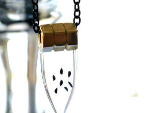 Biżuteria dla mężczyzn. Naszyjnik z nasionami