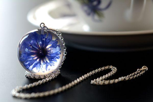 biżuteria z żywicy