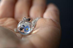 wisiorek srebrny z kwiatem